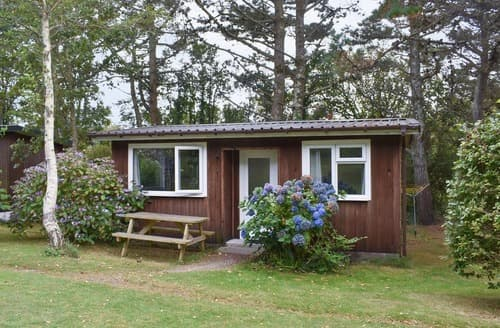 Last Minute Cottages - Chalet 1 - UK12561