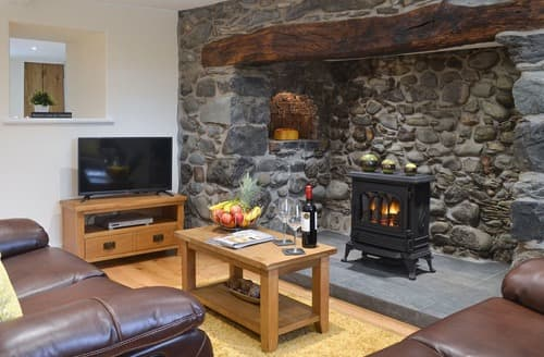 Last Minute Cottages - Pen Parc