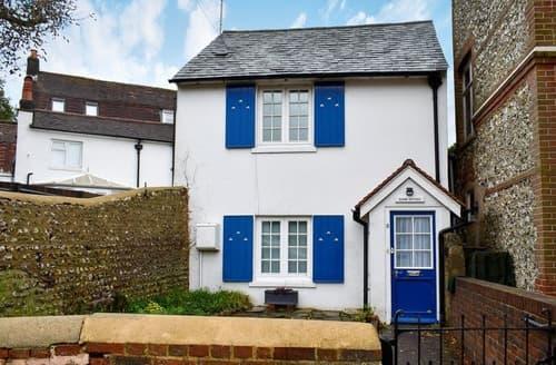 Last Minute Cottages - Manor Cottage