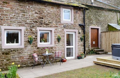 Last Minute Cottages - Farmhouse Cottage - UK1285