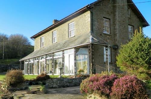 Last Minute Cottages - Llansantffraed House