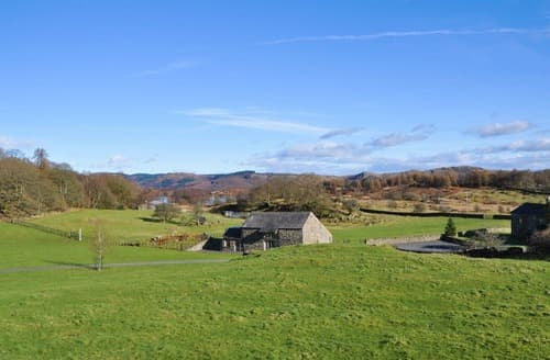 Last Minute Cottages - Mungeon Barn - UK30125
