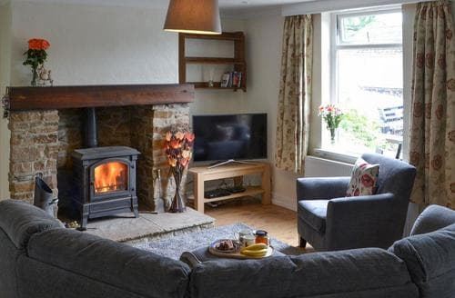 Last Minute Cottages - Elm Croft