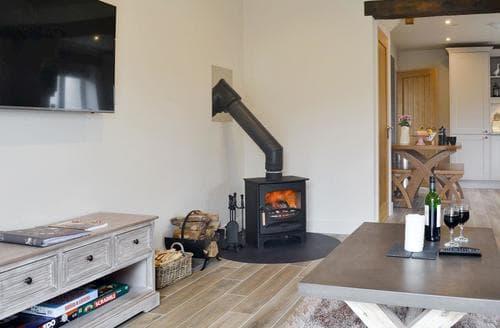 Last Minute Cottages - Piggery Cottage - UK6557