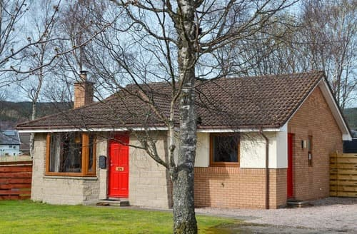 Last Minute Cottages - Holly Lodge