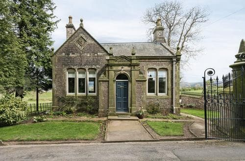 Last Minute Cottages - The Gatehouse Beckfoot Hall