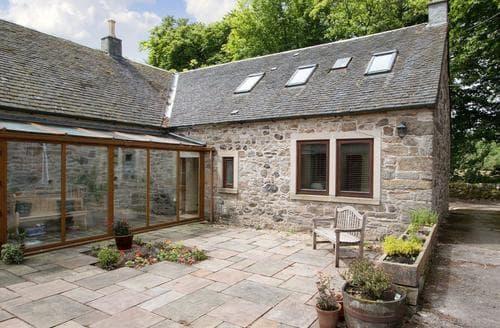 Last Minute Cottages - Plantlymoss Cottage