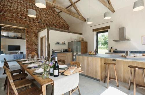 Last Minute Cottages - Old Hall Farm Barn