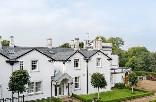 Last Minute Cottages - Hazelwood Hall