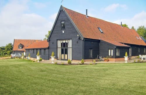 Last Minute Cottages - Doves Barn