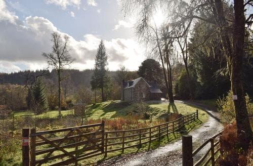 Last Minute Cottages - Craigmuick Cottage