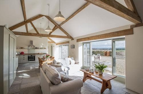 Last Minute Cottages - Long Barn
