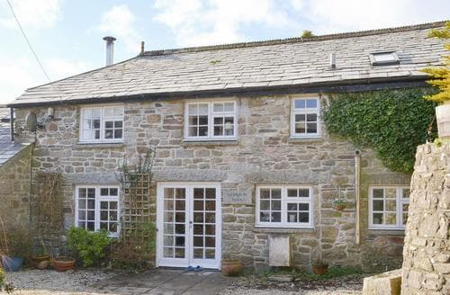 Last Minute Cottages - Henwood Barn - UKC2951