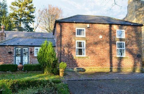 Last Minute Cottages - The Coachmans House