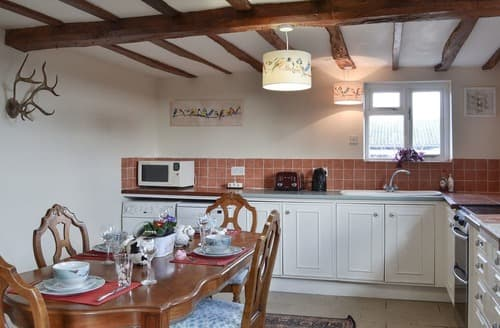 Last Minute Cottages - Bluebells - UKC3010