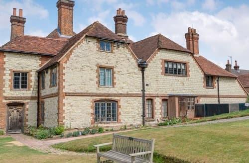 Last Minute Cottages - Stable Yard Cottage