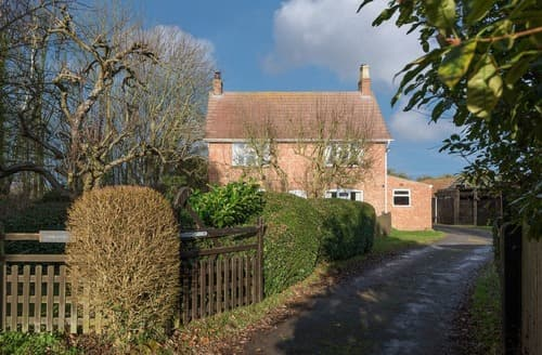 Last Minute Cottages - Church Farm