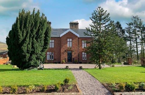 Last Minute Cottages - Ravenstone Manor
