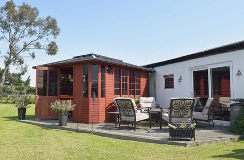 Last Minute Cottages - Leanda Lodge