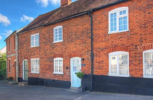 Last Minute Cottages - Red Brick Cottage