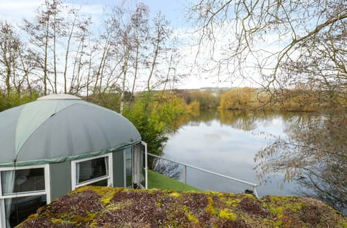Last Minute Cottages - Lakeview Yurt