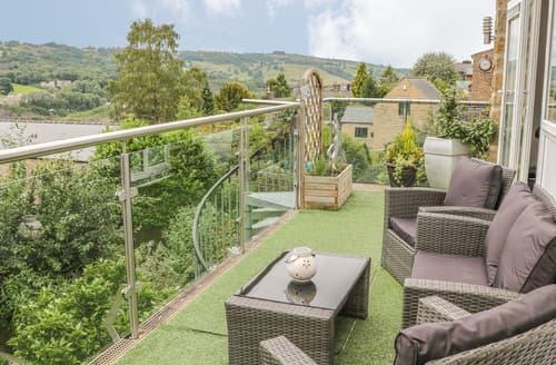 Last Minute Cottages - Masson View Apartment