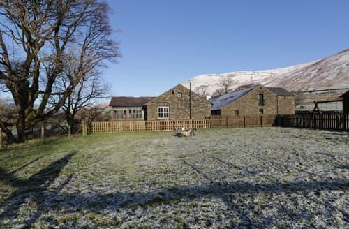 Last Minute Cottages - River Bank Cottage
