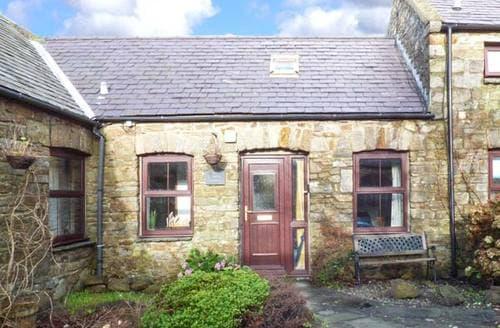 Last Minute Cottages - Corner Cottage