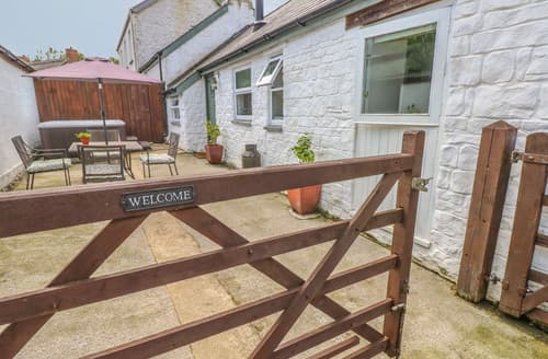Last Minute Cottages - The Barn at Waunlippa