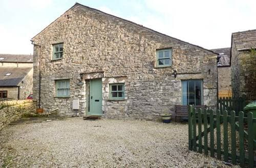 Last Minute Cottages - Lady Barn
