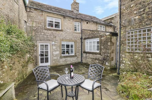 Last Minute Cottages - Green Smithy Cottage