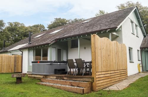 Last Minute Cottages - Rowan - Woodland Cottages