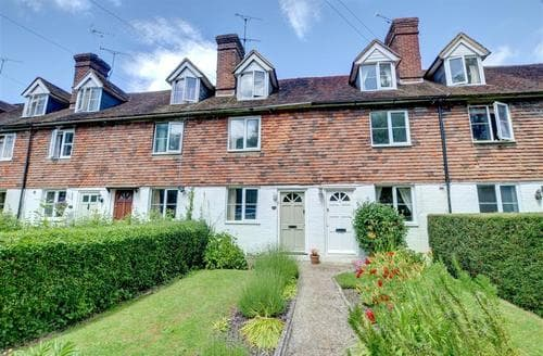 Last Minute Cottages - Charming Tenterden Rental S10376