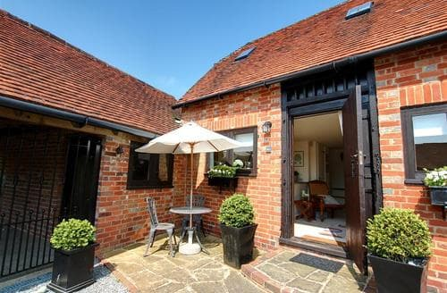 Last Minute Cottages - Tasteful Tonbridge Rental S10378