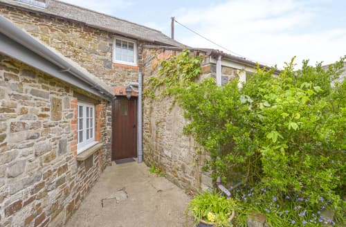 Last Minute Cottages - Granary