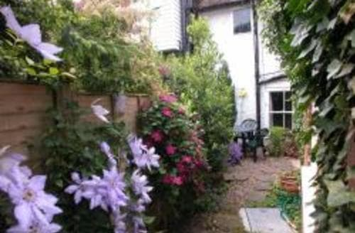 Last Minute Cottages - The Olde Shoppe