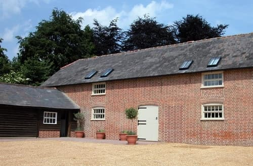 Last Minute Cottages - Stable Cottage, Rockbourne