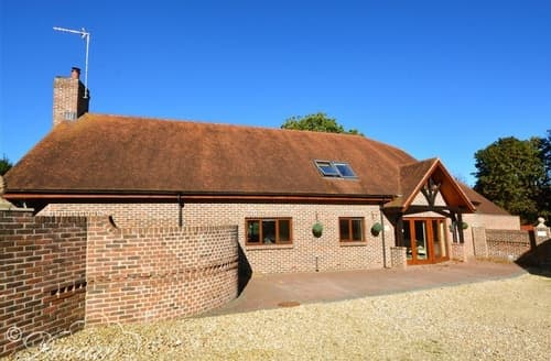 Last Minute Cottages - Baytree Lodge