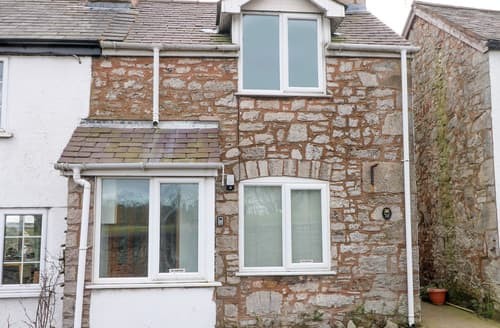 Last Minute Cottages - 10 Ty Coch Street