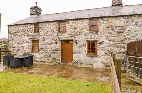 Last Minute Cottages - Cwm Yr Afon Mawr