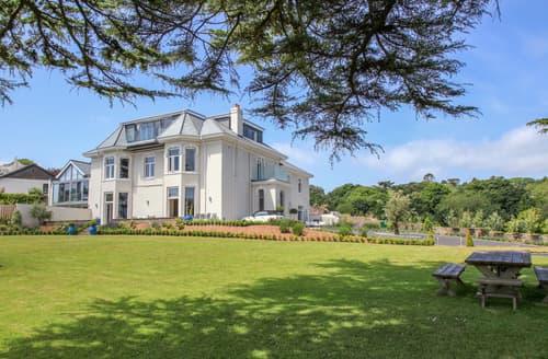 Last Minute Cottages - Barrington House