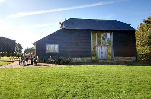 Last Minute Cottages - Inviting Broad Oak Rental S10483