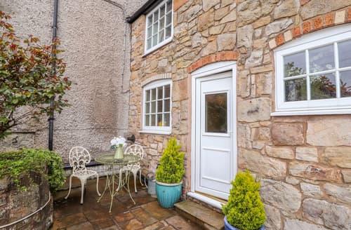 Last Minute Cottages - Woodland Cottage