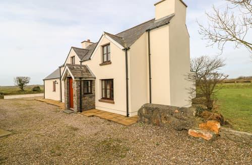 Last Minute Cottages - Maerdy Lodge