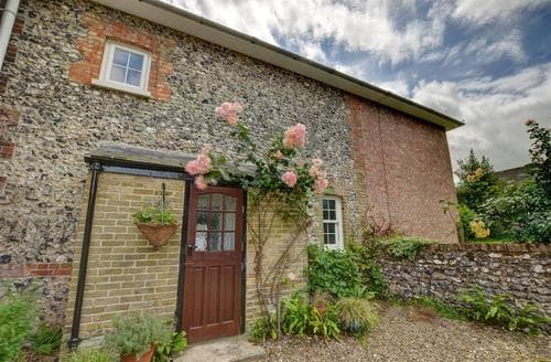 Last Minute Cottages - Great Watersend Cottage