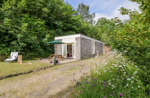 Last Minute Cottages - Engine House