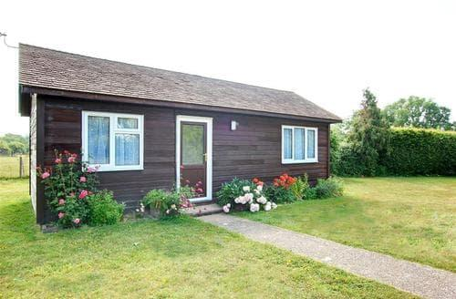 Last Minute Cottages - Anise Lodge