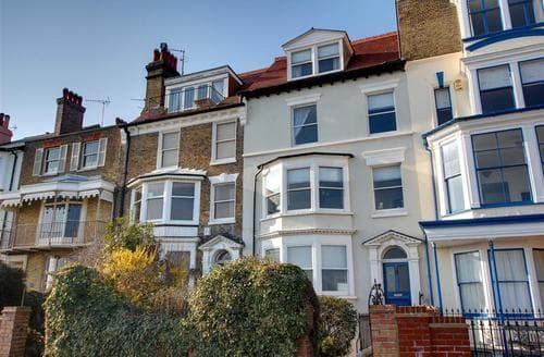 Last Minute Cottages - Beautiful Ramsgate Apartment S10511