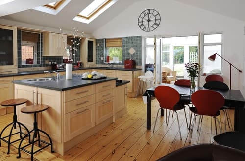 Big Cottages - Charming Weymouth Cottage S76346