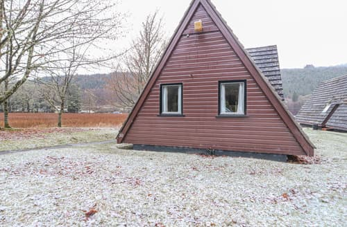 Last Minute Cottages - Lochside Lodge No 30